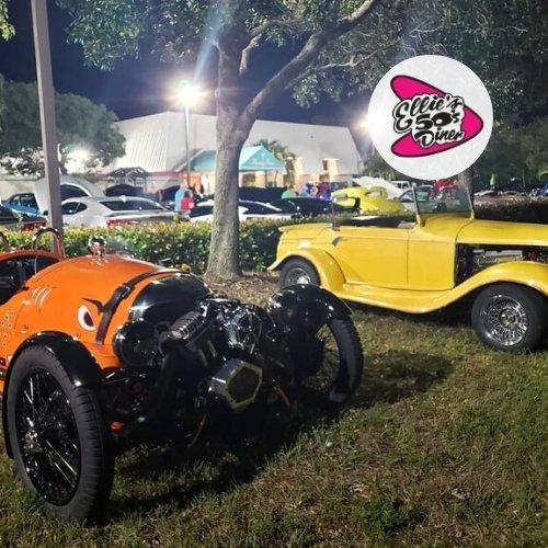 Delray Beach Friday Night Car Meet at Ellie's 50's Diner